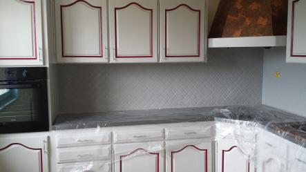 Renovation meuble de cuisine scs multiservice - Changer carrelage cuisine ...